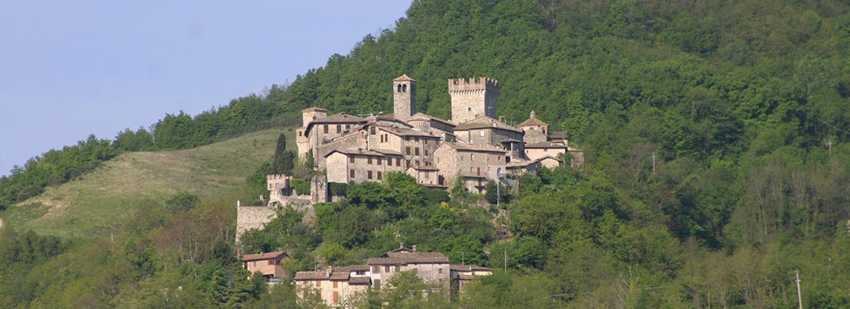 Vernasca (PC), veduta del borgo-Vernasca (PC), veduta del borgo, ph. turismoapiacenza.it-CC BY-NC-SA 3.0