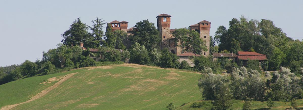 Gazzola (PC), veduta del borgo-Gazzola (PC), veduta del borgo, ph. turismoapiacenza.it-CC BY-NC-SA 3.0