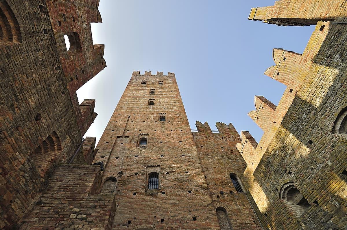 Castell'Arquato(PC), rocca viscontea-Castell'Arquato (PC), rocca viscontea, ph. carlo grifone, WLM2014-CC BY-SA 3.0