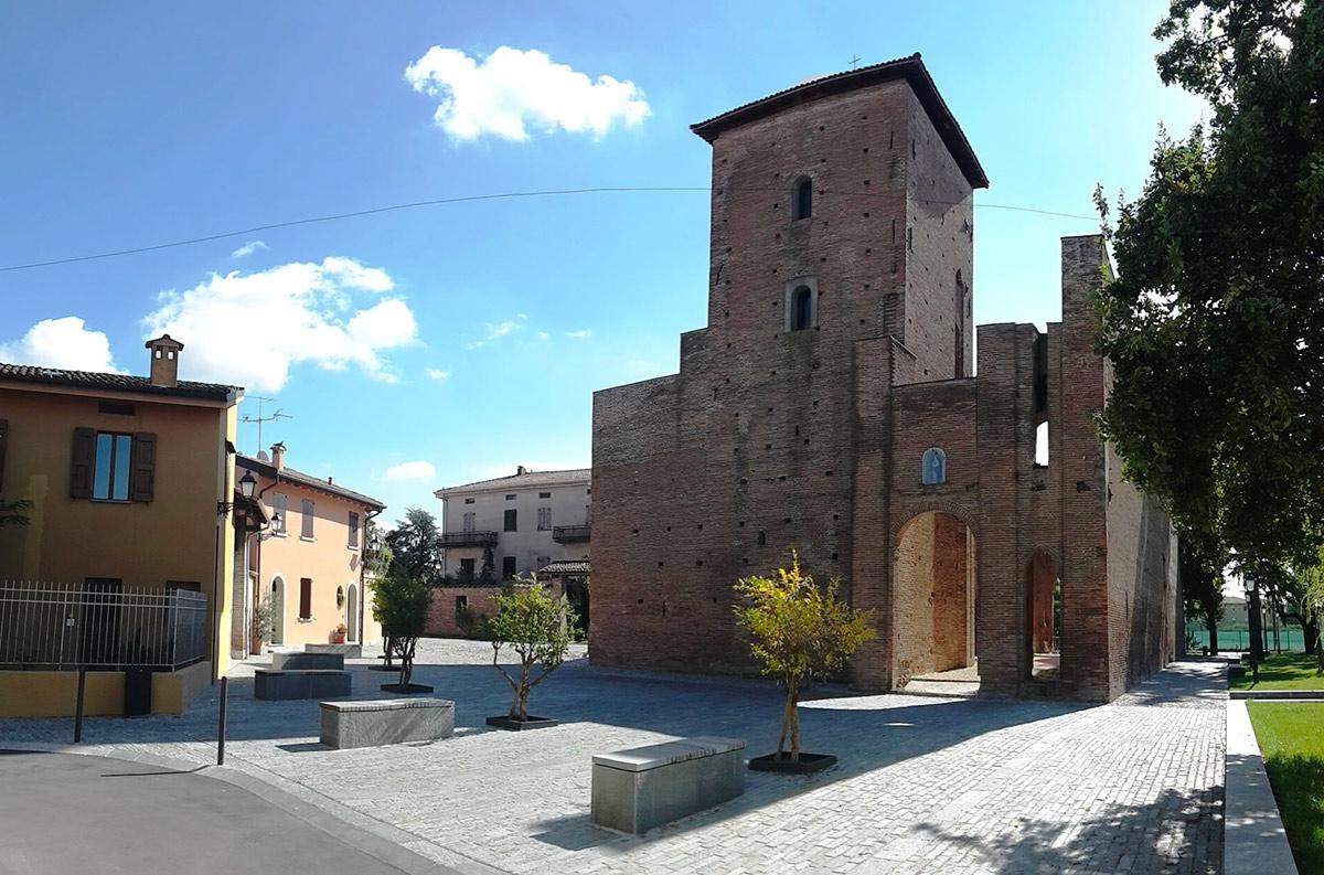 Pieve di Cento (BO), Piazza Bologna Rocca-Pieve di Cento (BO), Piazza Bologna Rocca, Ph. BolognaWelcome.it-CC BY-NC-SA 3.0