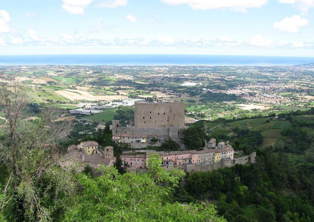 Montefiore Conca (RN), veduta di Montefiore-Montefiore Conca (RN), veduta di Montefiore, ph.Toni Pecoraro-CC BY-NC-ND 3.0