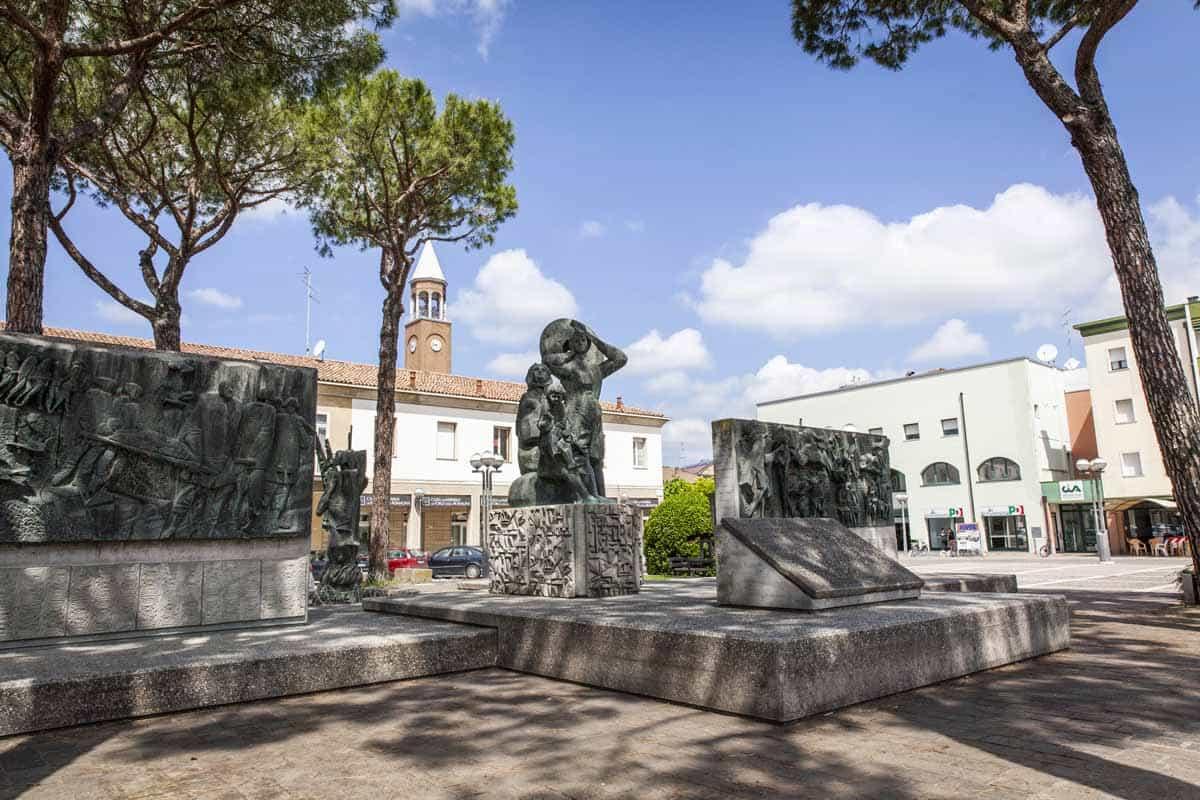 Alfonsine (RA), Piazza Gramsci-Alfonsine (RA), Piazza Gramsci, Archivio fotografico Unione Comuni Bassa Romagna-CC BY-SA 3.0
